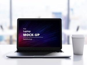 Free Laptop Mockup PSD File