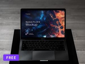 Mockup Macbook Pro 2018